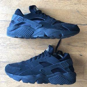 Nike Men's Air Huarache Sneaker - Black, Size 9.5
